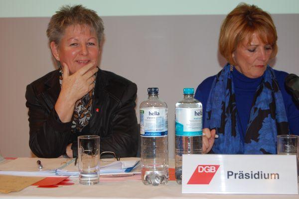 Carmen Lühr bei der Arbeit im Präsidium